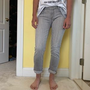 LOW RISE SKINNY GRAY JEANS